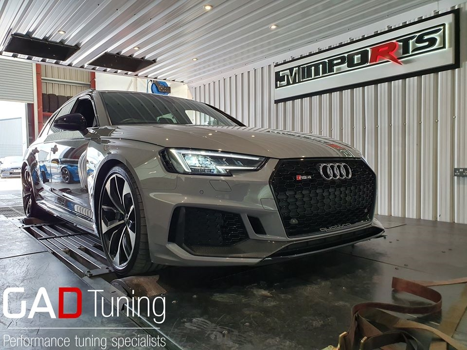 Audi RS4 B9 in for stage 1 & dyno