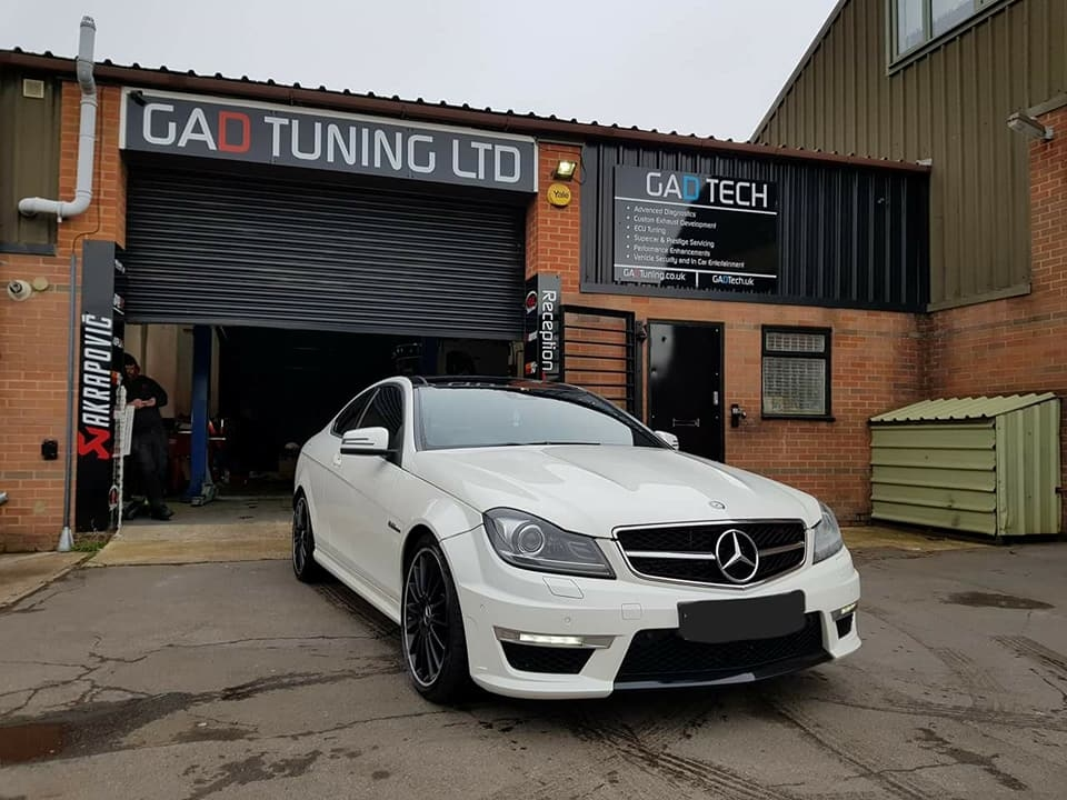 Mercedes C63 w204 AMG in for stage 2 GAD package, decat, air filters